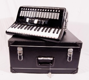 ACCORDEON 72 B 34 cles - COULEUR NOIR