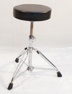 TABOURET BATTERIE // SINGLE STOOL